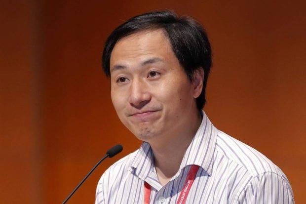 Китайского генетика приговорили к трем годам тюрьмы за создание первых в мире ГМО-детей