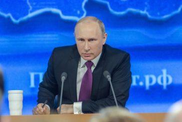 Путин поддержал идею увольнять чиновников за хамство