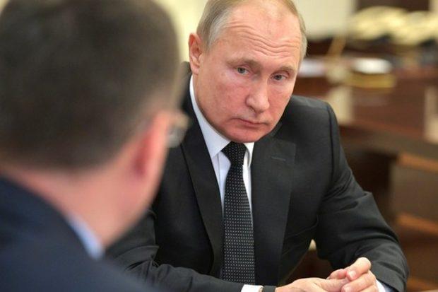 Чушь, чушь, конечно - Путин с трудом поверил в циничные формулировки закона