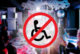 На коляске не пустили в краснодарский караоке-клуб