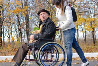 Ассистентам в Латвии платят до 430 евро в месяц