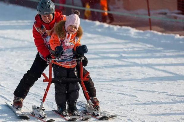 В Сочи начались бесплатные горнолыжные занятия для детей-инвалидов