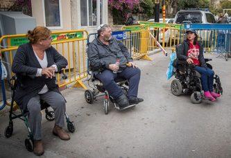 Инвалидам в Израиле выдадут по 500 шекелей