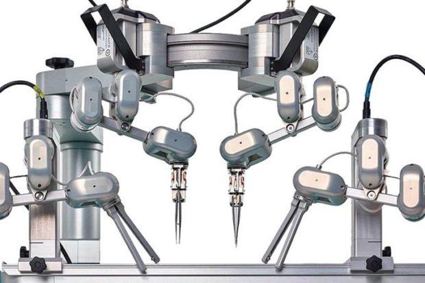 Мастер тонкого шитья: уникальный хирургический аппарат