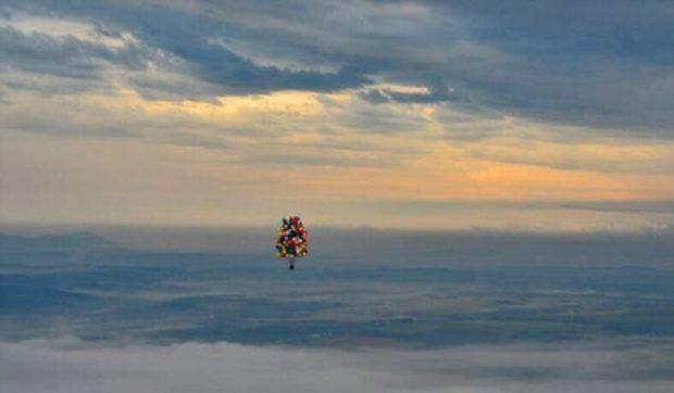 На воздушных шарах пролетел более 300 км
