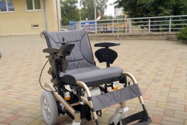 Новая модель электроколяски от Белорусского протезно-ортопедического восстановительного центра