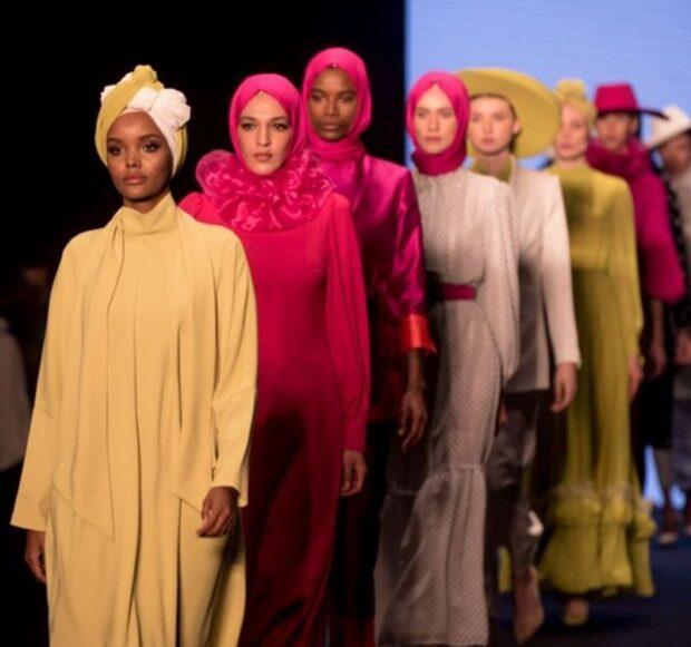 на ведущих мировых подиумах появляются манекенщицы с пышными формами, трансгендерыи даже девушки в хиджабе