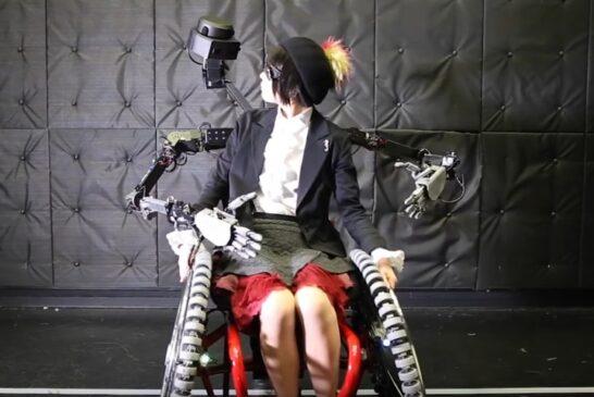 Инвалидное кресло с парой роборук SlideFusion