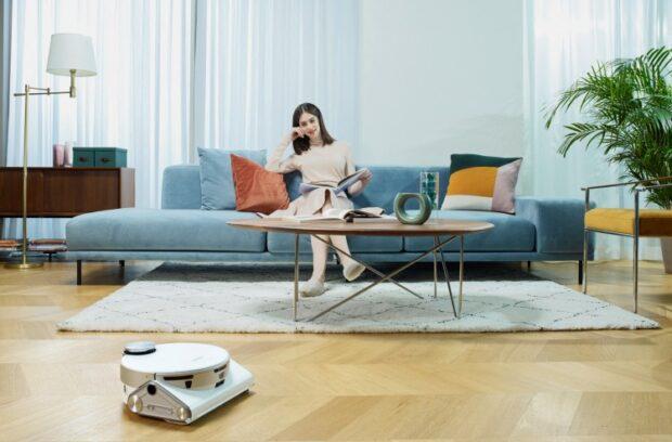 Samsung также продемонстрировала обновлённую версию робота Bot Care