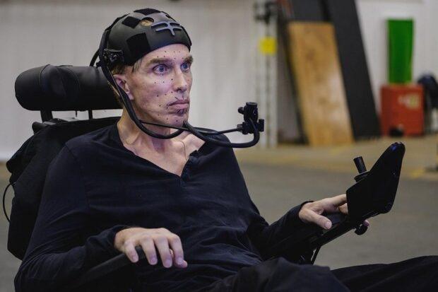 Ученый-инвалид из Британии превратил себя в настоящего киборга