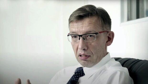 невролог Александр Курмышкин (СПб), БФ «Помощь семьям СМА»