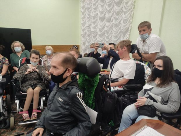 31-го августа взрослые пациенты со СМА вновь вышли с пикетом уже к правительству Москвы